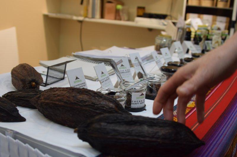 delikatesy z kakaových bôbov z...