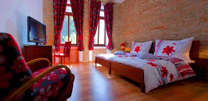 DeLuxe izba - Hotel Dália, Košice     foto: Eco friendly Hotel Dália