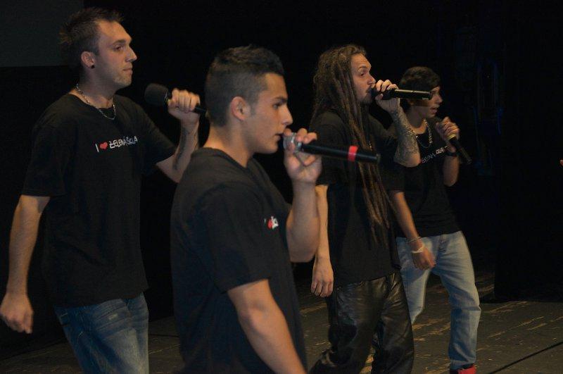 EKO raperi sa páčili:)