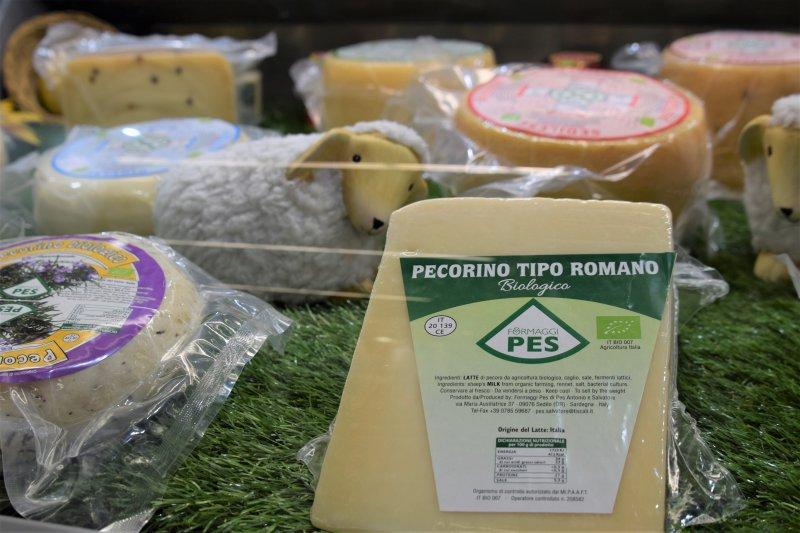 rumunský ovčí syr