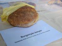 Chlebík Zoltána Vargu na trhu v Nagymárosi,  foto: Klaudia Medalová
