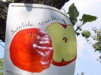 jablčné slávnosti hostětín - červené jablko