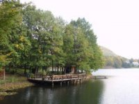 na brehu jazera