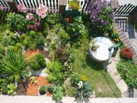 záhradka a studnička