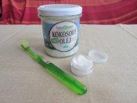 zubná pasta z kokosového oleja,...