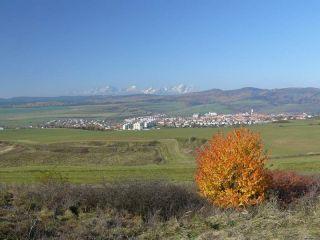 Pohľad na mesto Levoča a Vysoké Tatry