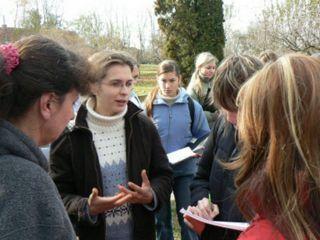 Prehliadku po ekofarme viedla Magdaléna Demešová